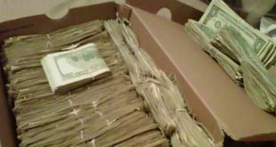 Съпруг намери кутия с обувки, пълна с пари! Ето обяснението на жена му
